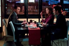 Laurel having dinner with the Malcolm and Tommy (Colin Donnell) Merlyn