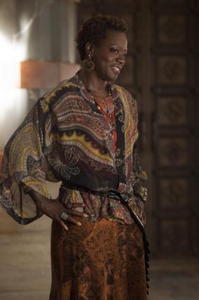 Amma (Viola Davis)