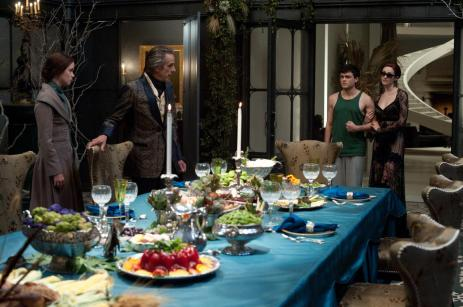 Ridley brings Ethan over for dinner with Lena and Macon