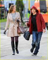 Katie Cassidy & Colton Haynes on set