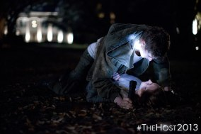Max Irons as Jared Howe and Saoirse Ronan as Melanie Stryder - image at TwiFans