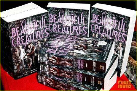 thomas-mann-beautiful-creatures-signing-glow-magazine-feature-22