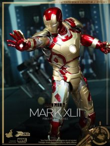 hot-toys-iron-man-3-mark-xlii-figure