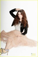 Alice Englert in her solo shot