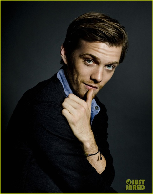 jake-abel-the-host-cast-portraits-exclusive-02