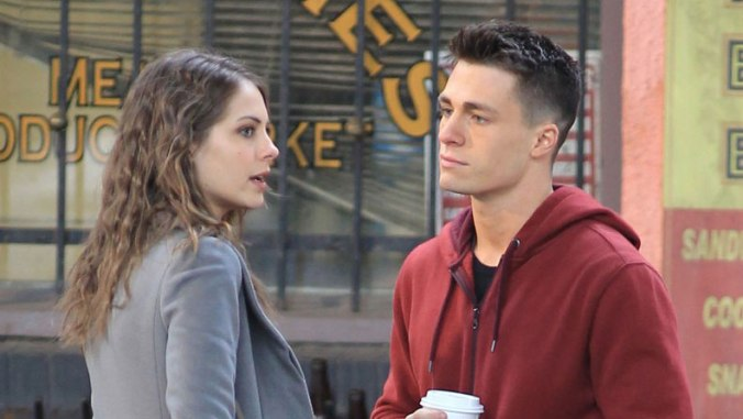 willa-holland-colton-haynes-arrow-set-09-fi