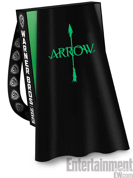 sdcc-wb-arrow-bag-2013-2
