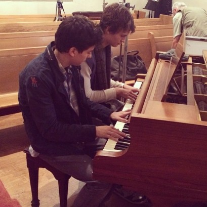 tfios-wk5-nat-wolff-ansel-elgort-piano